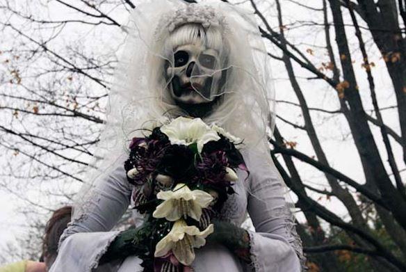 Hình ảnh cô dâu ma thật đáng sợ