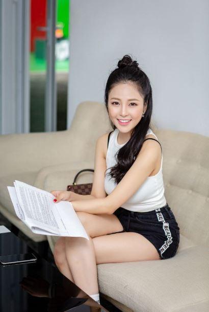 Hình ảnh hot girl Trâm Anh với nụ cười xinh đẹp