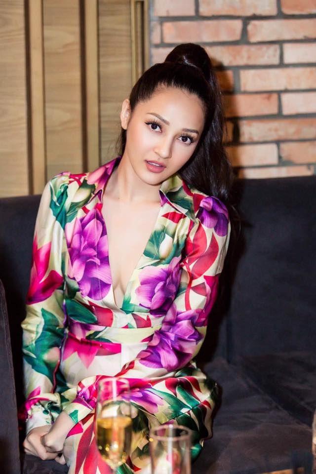 Bảo Anh luôn xinh đẹp với nhiều mẫu trang phục