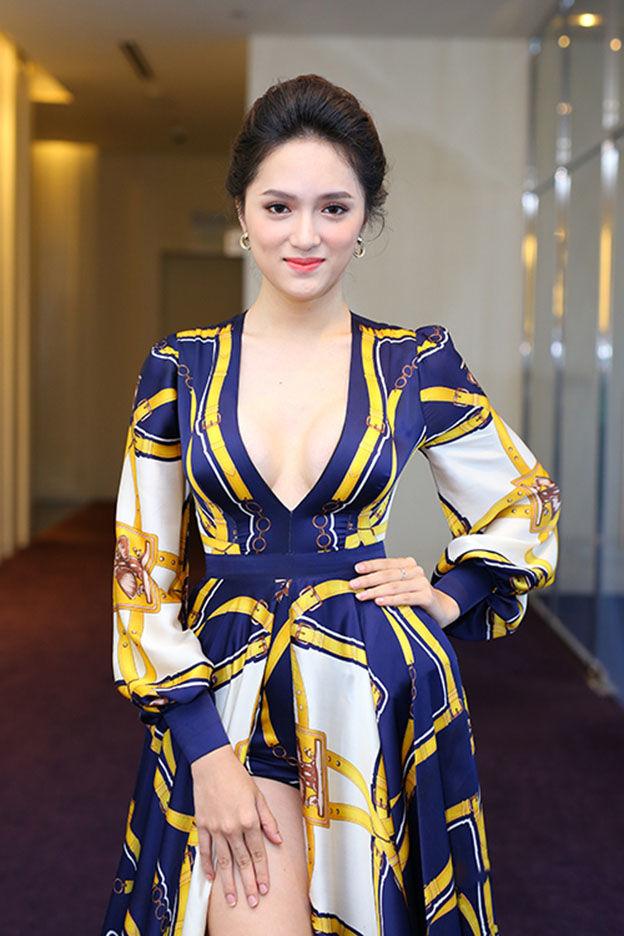 Hoa hậu chuyễn giới Hương Giang Idol sexy và quyến rủ
