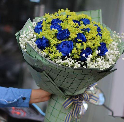 Bó hoa hồng xanh làm quà tặng đẹp