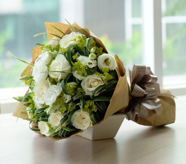 Hình ảnh bó hoa hồng trắng đẹp