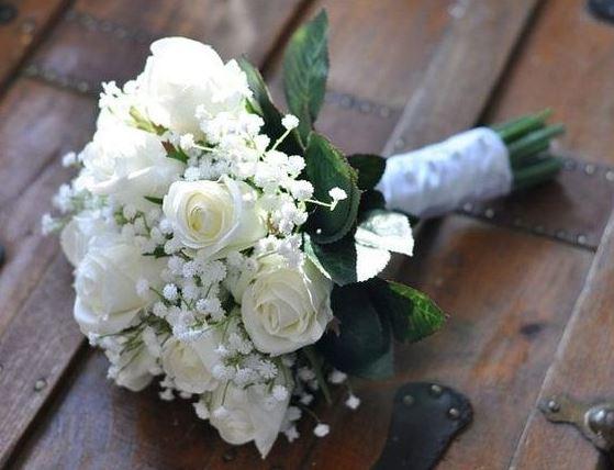 ảnh bó hoa hồng trắng đám cưới