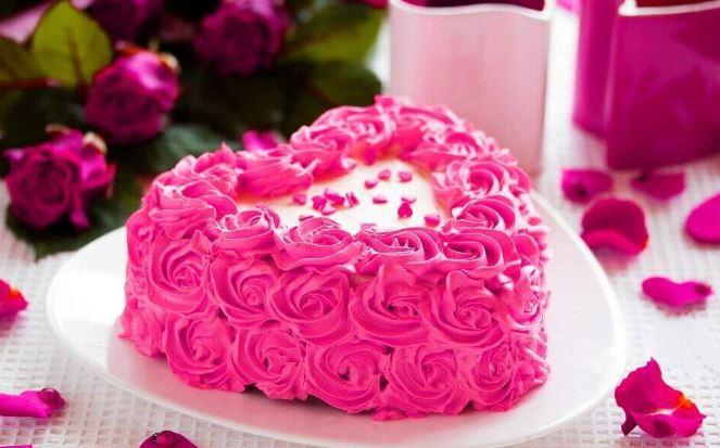 Hình ảnh bánh sinh nhật hình trái tim đẹp