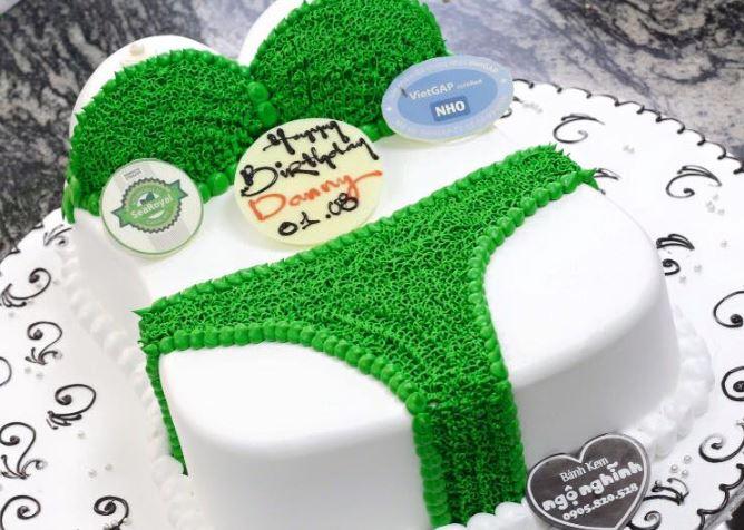 Hình ảnh bánh sinh nhật bựa nhất