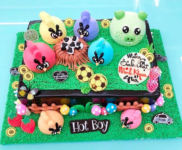 Hình ảnh bánh sinh nhật hoạt hinh dễ thương cho bé gái